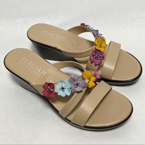 NWOB Italian Shoemakers Floral wedge Sandal Sz 9.5